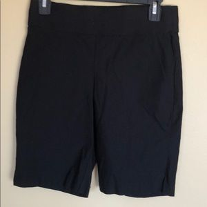 Apt. 9 Black Bermuda Stretch Shorts Sz. 6